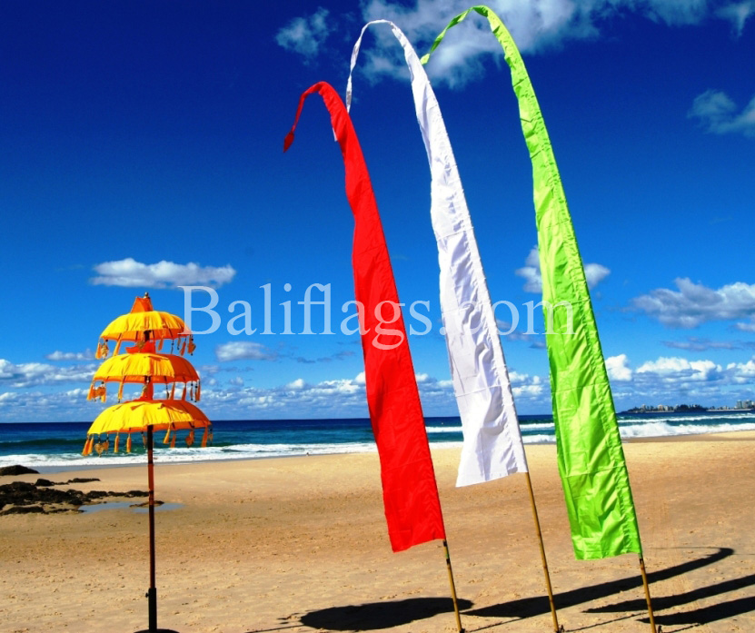 bali_flags_beach